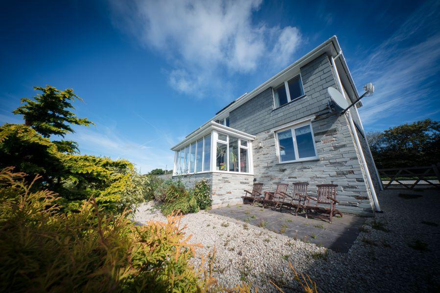 Schöne Aussicht und komfortable Einrichtung Ferienhaus